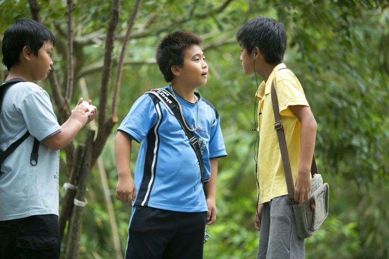 A Time in Quchi: scaramucce tra bambini in una scena del film