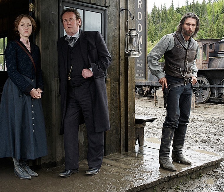 Hell on Wheels: Jennifer Ferrin, Colm Meaney ed Anson Mount in una foto promozionale della stagione 3