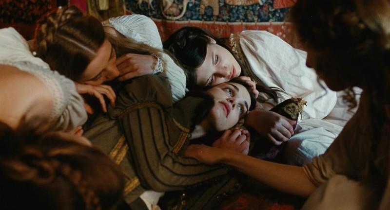 Mary Queen of Scots: la protagonista Camille Rutherford in una scena del film