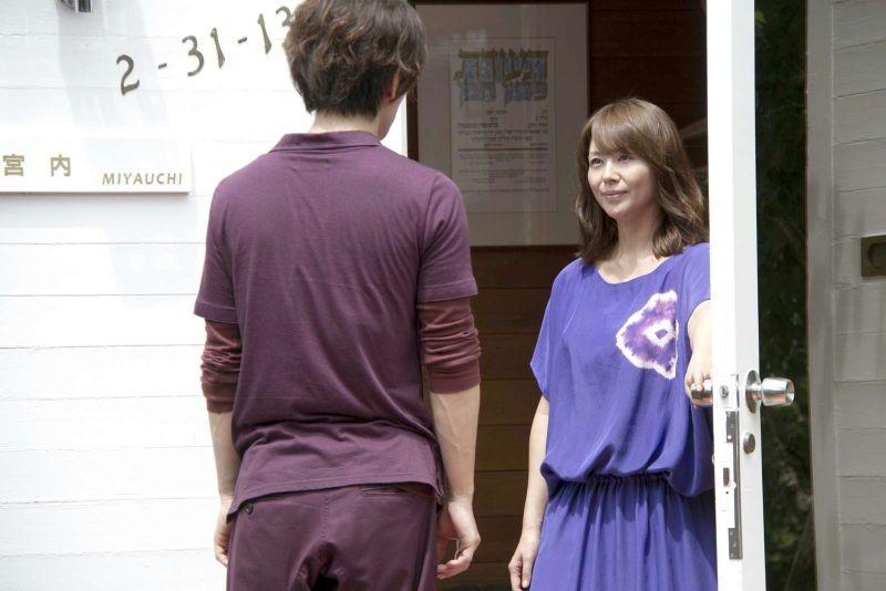 Real: Takeru Sato con Haruka Ayase in una scena del dramma sci-fi giapponese del 2013