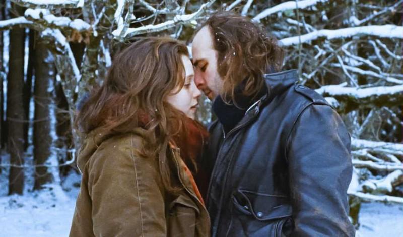 Tonnerre: Solène Rigot  e Vincent Macaigne si baciano in una scena