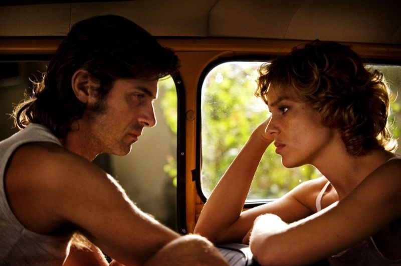 Anni felici: Kim Rossi Stuart e Micaela Ramazzotti protagonisti del film in una scena