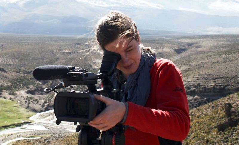 Bring the Sun Home: la regista Chiara Andrich sul set del documentario