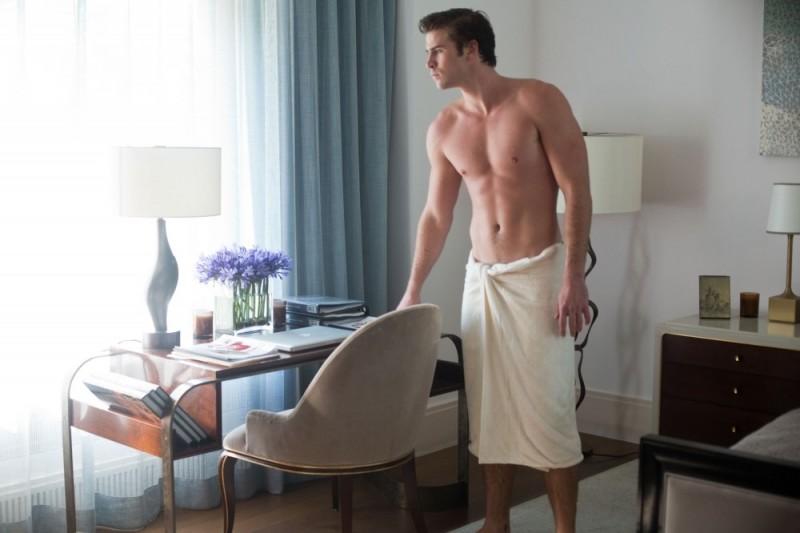 Liam Hemsworth interpreta Adam nel thriller Il potere dei soldi (Paranoia, 2013)