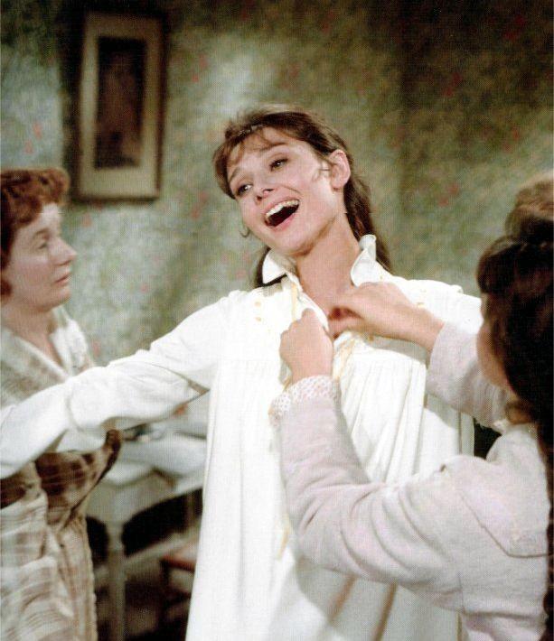 Audrey Hepburn in una scena del film My Fair Lady