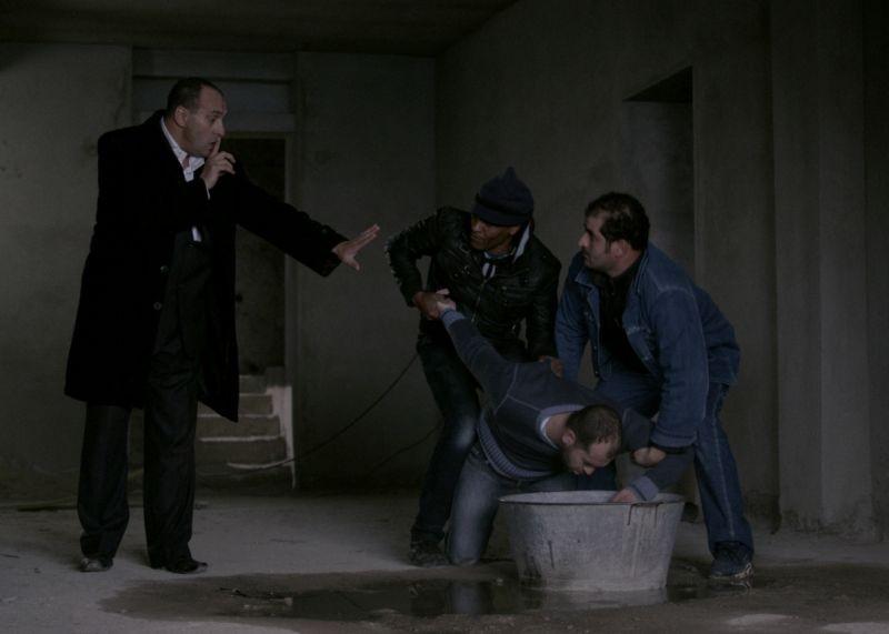 The Rooftops: Mourad Khen in una scena del film
