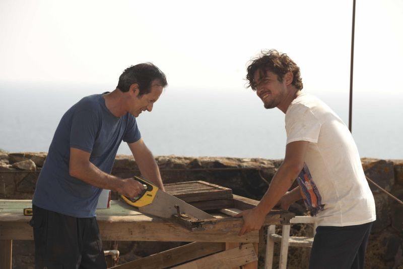 Una piccola impresa meridionale: Riccardo Scamarcio a lavoro con Rocco Papaleo in una scena