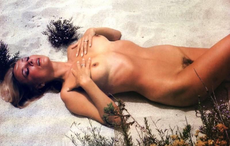 Barbara Bouchet in un nudo degli anni '70