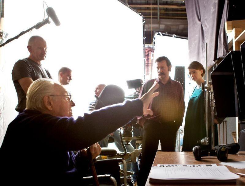 Walesa. Man of Hope: il regista Andrzej Wajda sul set con Robert Wieckiewicz e Agnieszka Grochowska