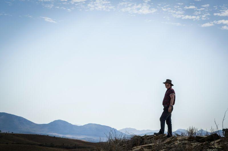 Wolf Creek 2 - La preda sei tu: John Jarratt in una scena del sequel horror