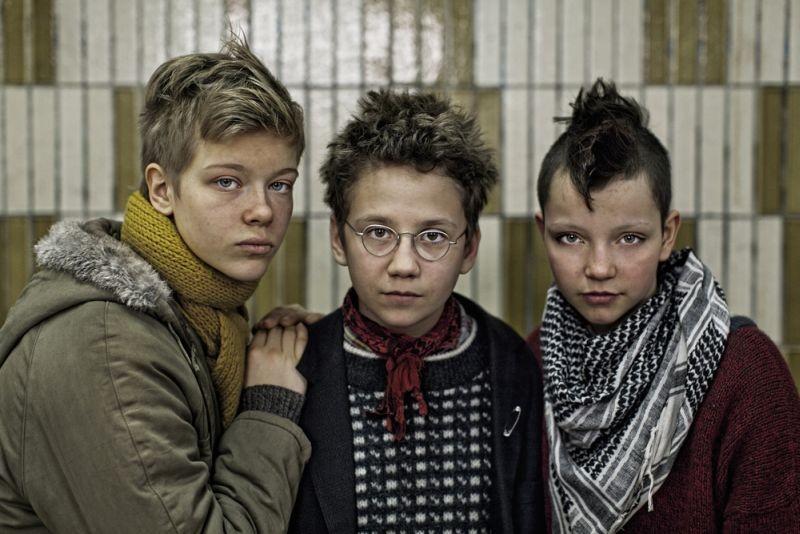 We are the best!: Liv LeMoyne, Mira Barkhammar e Mira Grosin in una foto promozionale