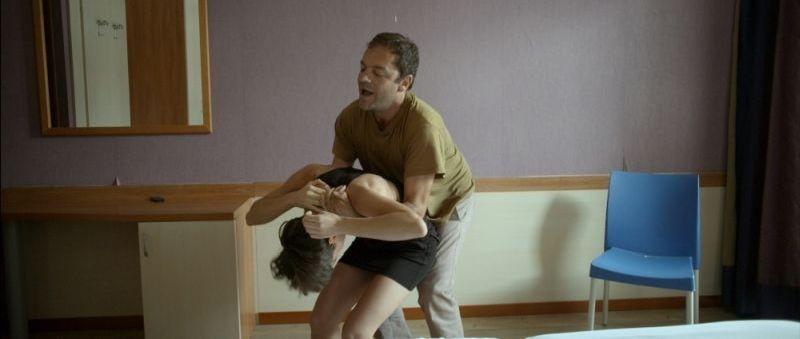 Piccola patria: Vladimir Doda insieme a Roberta Da Soller in una concitata scena del film