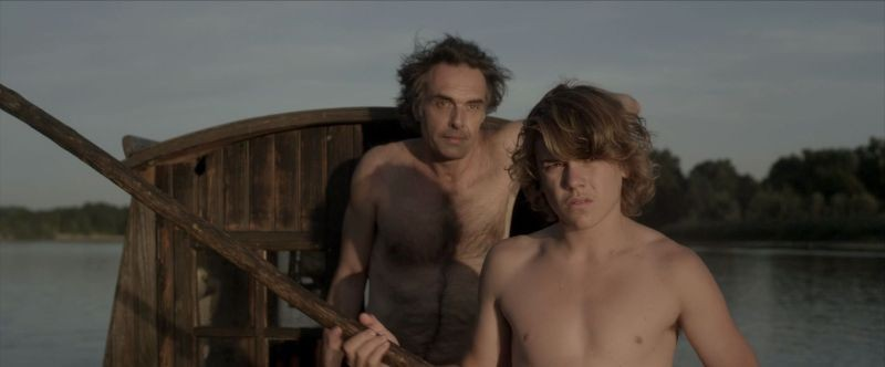 La belle vie: Nicolas Bouchaud e Zacharie Chasseriaud in una scena del film
