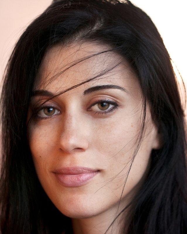 May in the Summer: la bella regista, sceneggiatrice e interprete del film Cherien Dabis