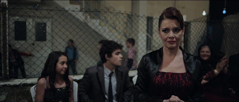 Nobody's Home: Lale Basar in una scena