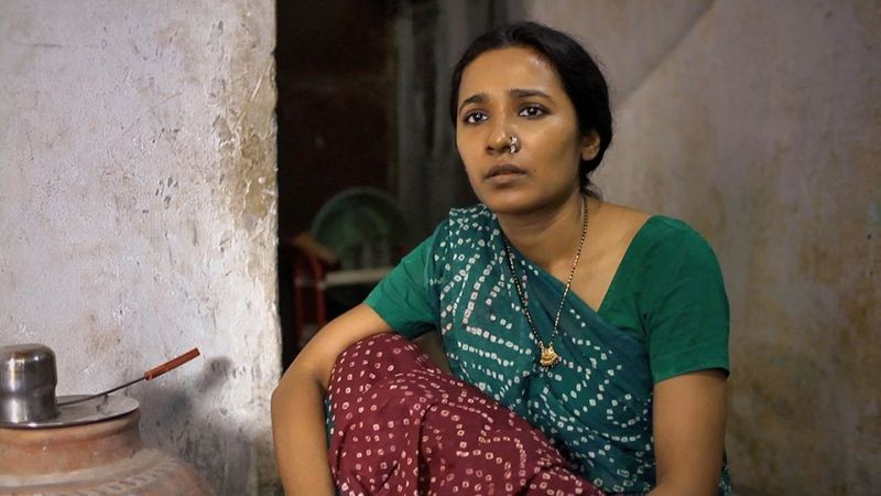 Siddhart: Tannishtha Chatterjee in una scena