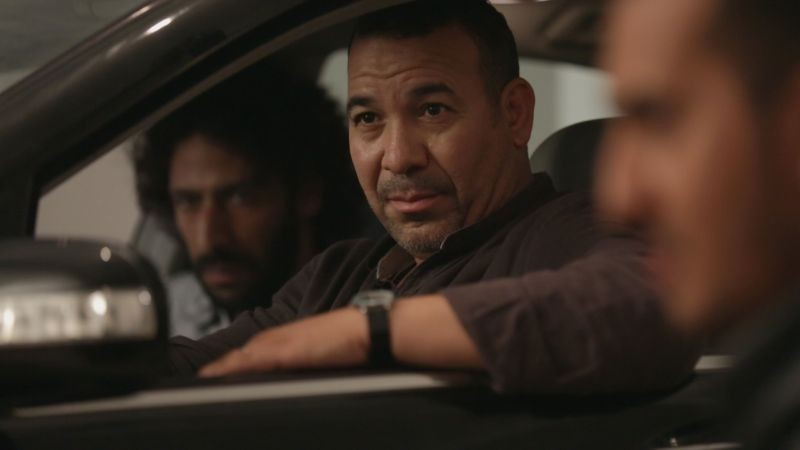 Traitors: Driss Roukhe in una scena del film
