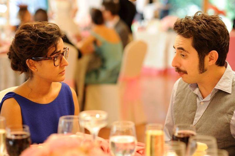 3 Many Weddings: Inma Cuesta con Berto Romero in una scena