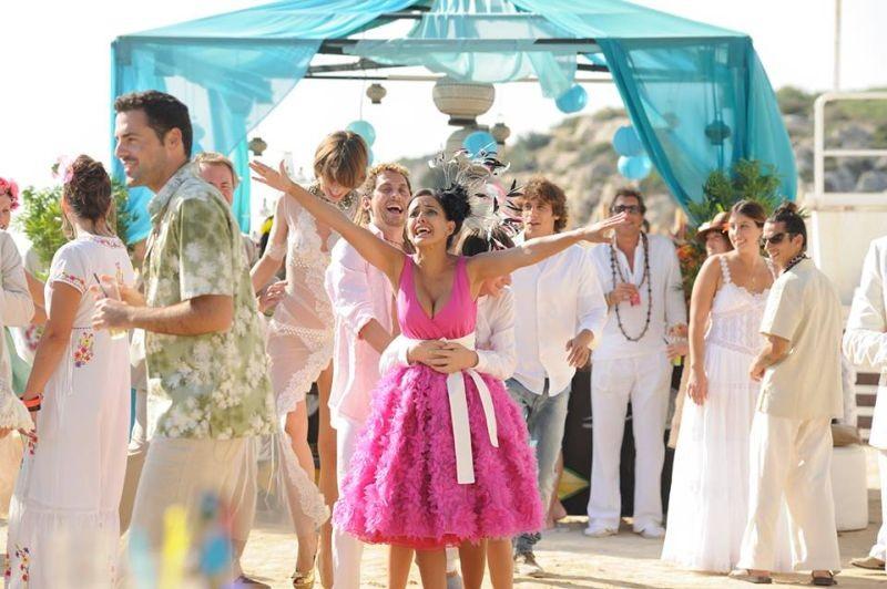 3 Many Weddings: Inma Cuesta e Paco León in una bizzarra scena della commedia nuziale