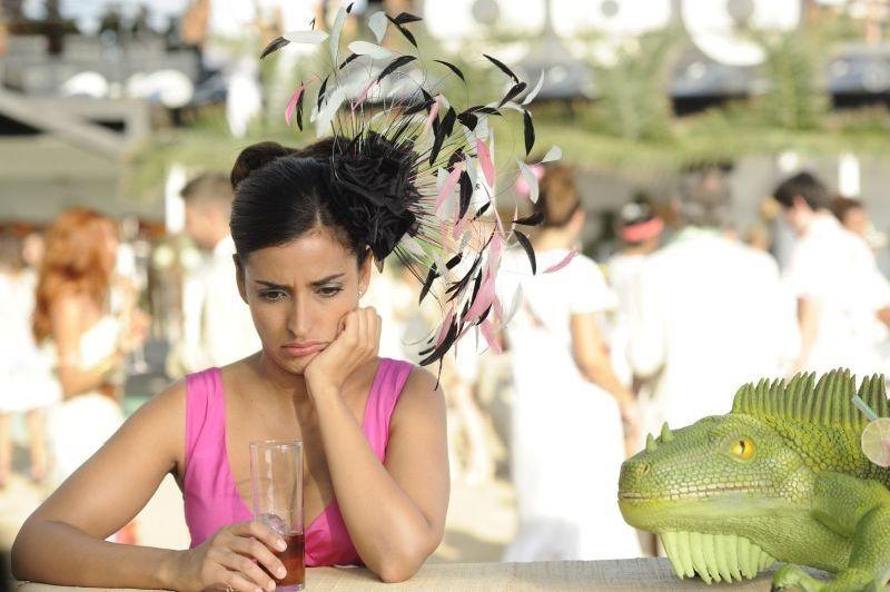 3 Many Weddings: Inma Cuesta in una buffa immagine del film