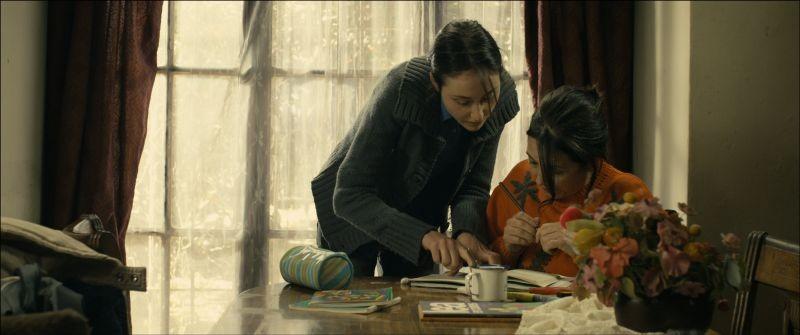 Las analfabetas: Paulina Garcia insieme a Valentina Muhr in una scena
