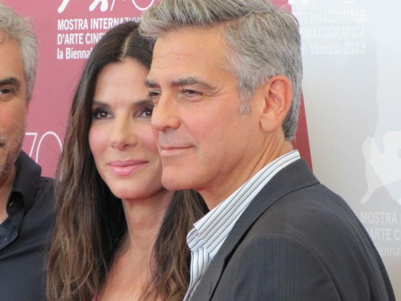 Venezia 2013: Sandra Bullock e George Clooney presentano Gravity