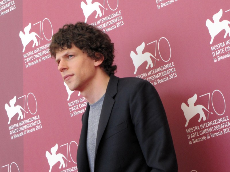Night Moves a Venezia 2013: Jesse Eisenberg presenta il film alla 70esima Mostra del Cinema