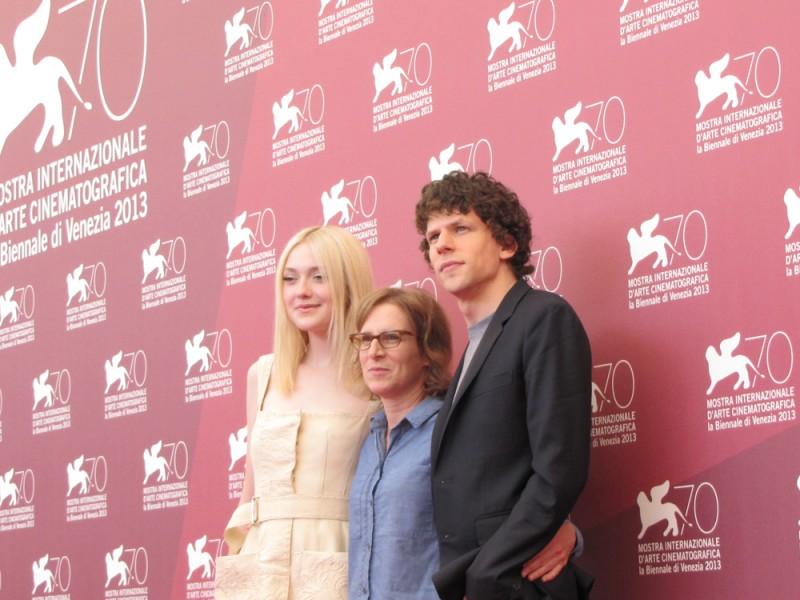 Night Moves a Venezia 2013:la regista  Kelly Reichardt con Dakota Fanning e Jesse Eisenberg