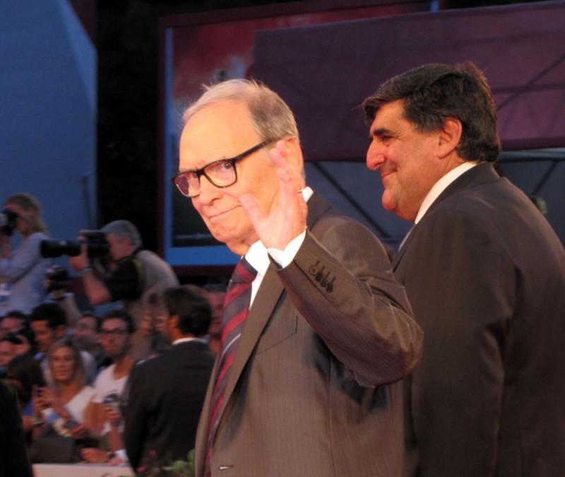 Venezia 2013 - il maestro Ennio Morricone sul red carpet del Premio Kineo