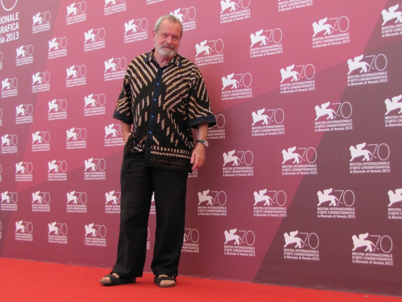 il regista Terry Gilliam in posa per presentare il suo The Zero Theorem alla Mostra di Venezia 2013