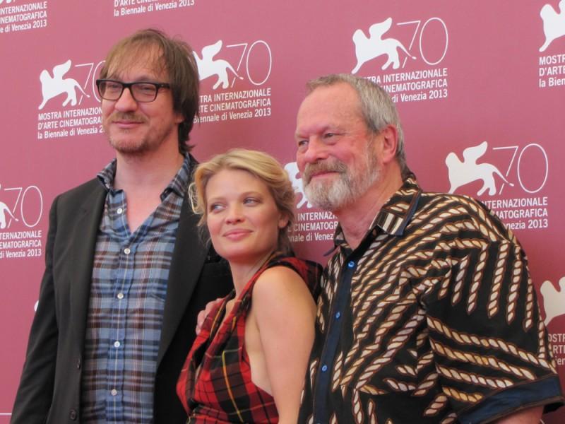 Melanie Thierry con Terry Gilliam  e David Thewlis per presentare The Zero Theorem alla Mostra di Venezia nel 2013