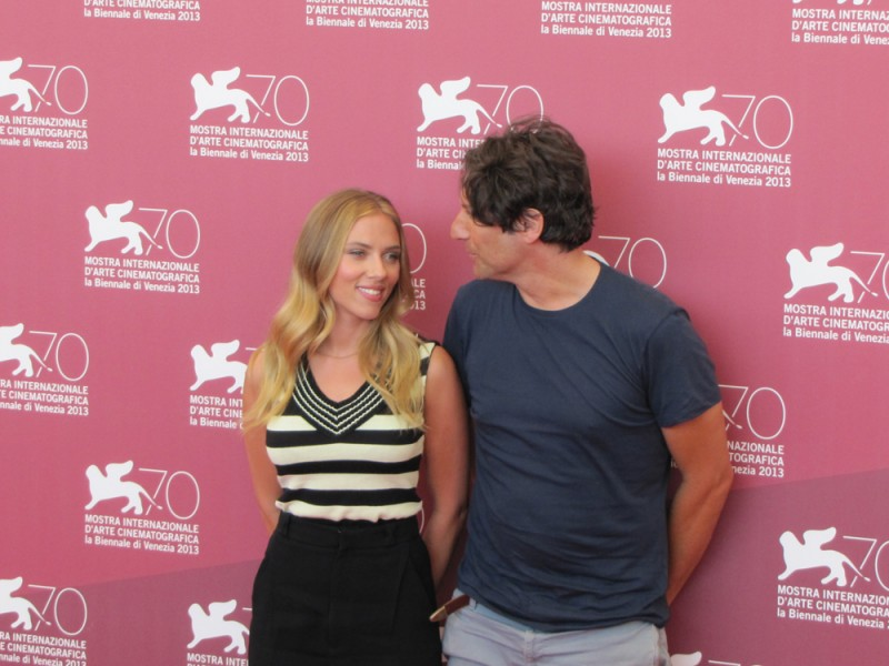 Scarlett Johansson presenta Under the Skin a Venezia 2013 con Jonathan Glazer