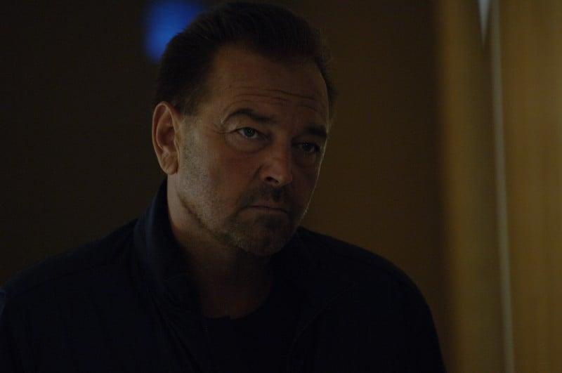 Un caso di coscienza 5 - Sebastiano Somma in una scena della serie