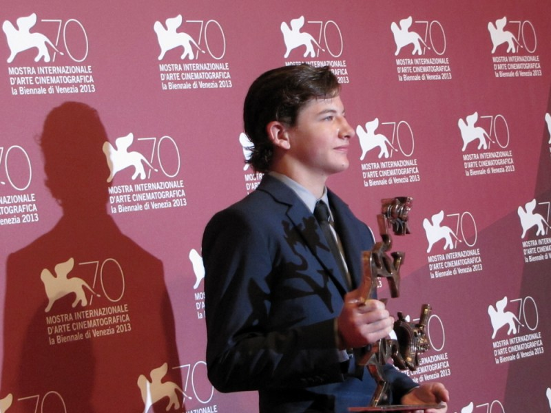 Mostra di Venezia 2013 - Tye Sheridan con il premio mastroianni vinto per il film Joe