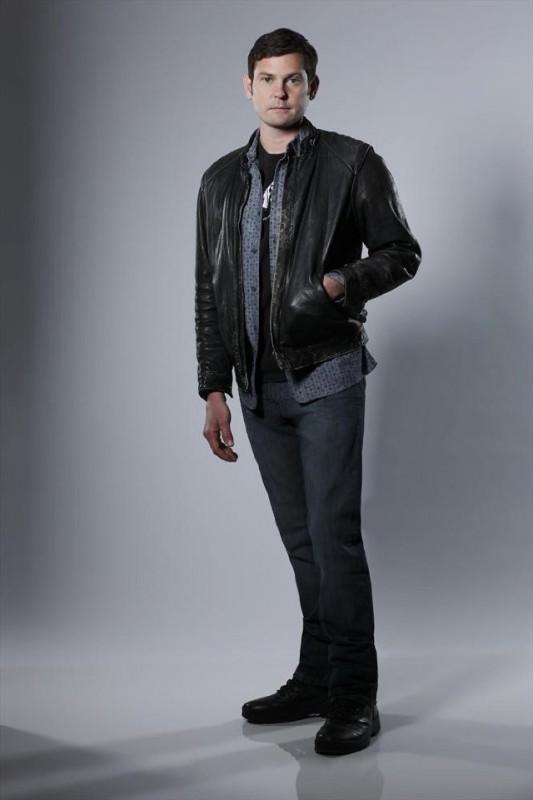 Betrayal: Henry Thomas in una foto promozionale della serie