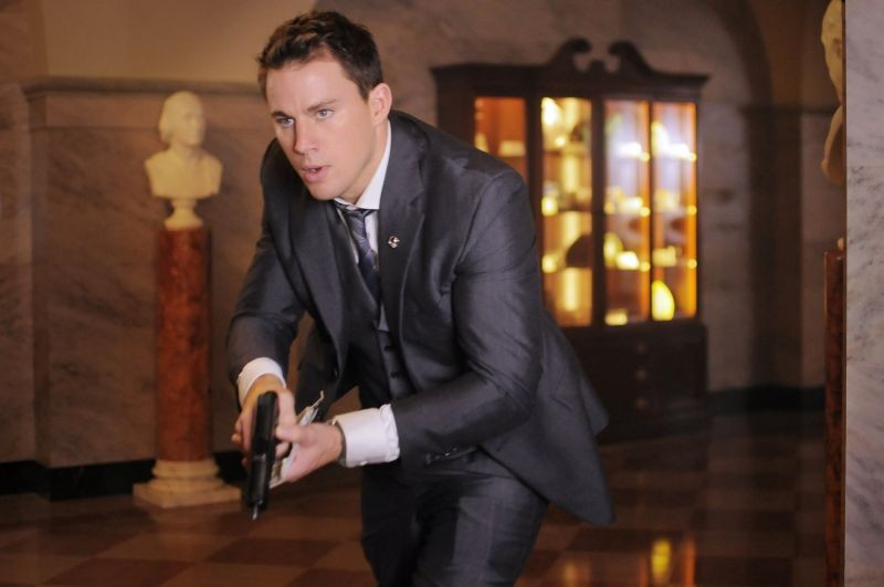 Channing Tatum in una scena d'azione di Sotto Assedio - White House Down