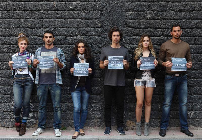 Universitari - Molto più che amici: il cast al completo in una foto promozionale