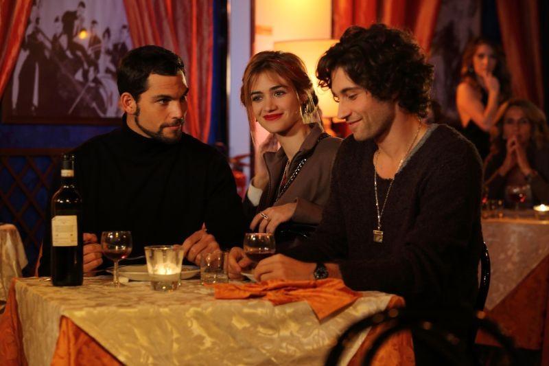 Universitari - Molto più che amici: Primo Reggiani con Simone Riccioni e Nadir Caselli in una scena