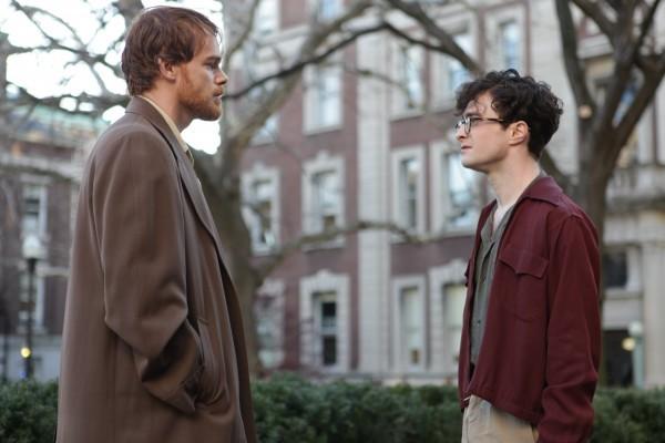 Michael C. Hall e Daniel Radcliffe in una scena di Kill Your Darlings