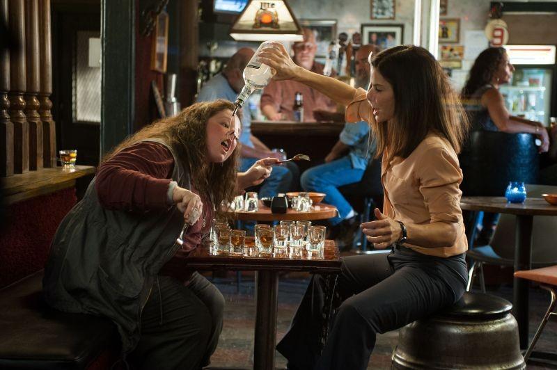 Corpi da reato: Sandra Bullock insieme a Melissa McCarthy in una scena