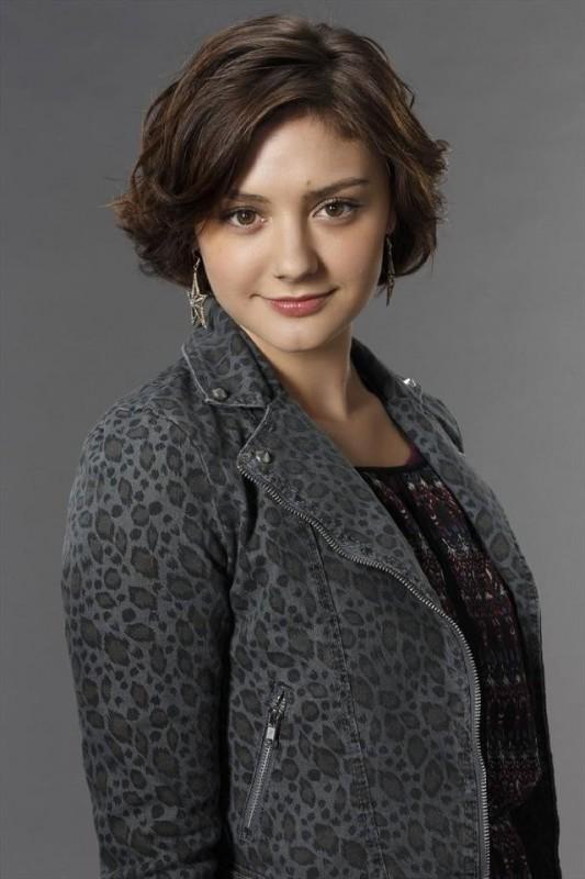 Lucky 7: Christine Evangelista in una foto promozionale del cast della serie