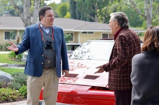 The Goldbergs: George Segal e Jeff Garlin in una scena della serie
