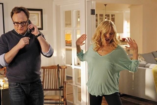 Trophy Wife: Bradley Whitford in una scena della serie