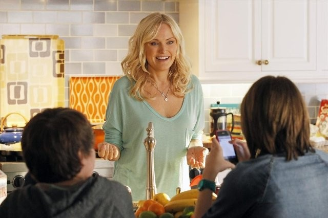 Trophy Wife: Malin Akerman in una scena della serie