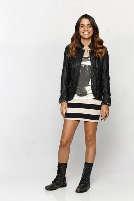Trophy Wife: Natalie Morales in una foto promozionale della serie