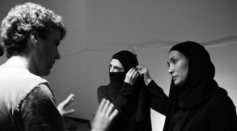 Border: il regista Alessio Cremonini sul set con Dana Keilani