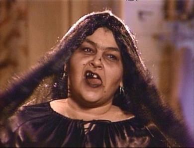 Pappa e ciccia: Roseanne Barr nell'episodio di Halloween BOO!