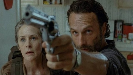 The Walking Dead:  Andrew Lincoln con Melissa McBride nell'episodio Indifferenza