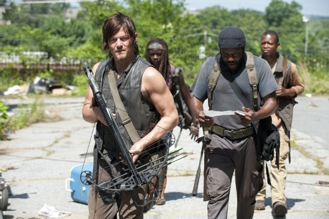 The Walking Dead: Norman Reedus, Chad L. Coleman, Danai Gurira e Lawrence Gilliard Jr. nell'episodio Indifferenza