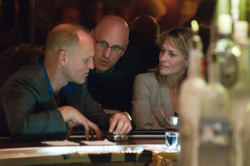 Woody Harrelson, Robin Wright e il regista Oren Moverman sul set di Rampart
